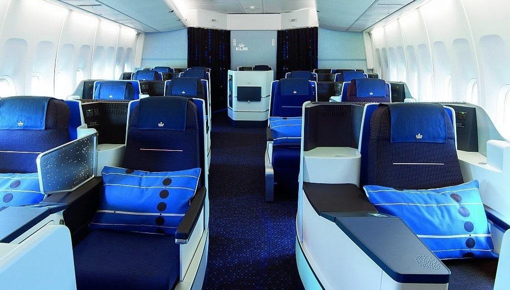 cheapest first class international flights